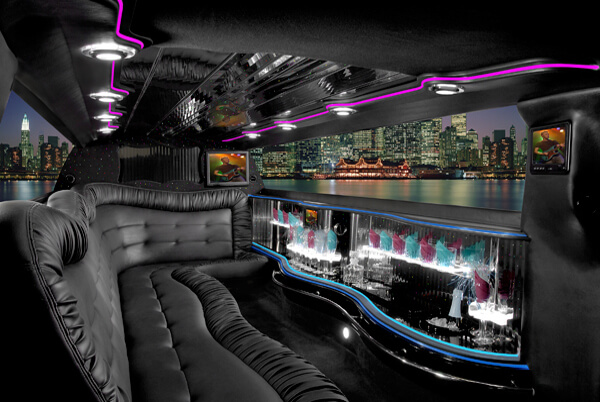 Chrysler 300 Limo Grand Rapids MI