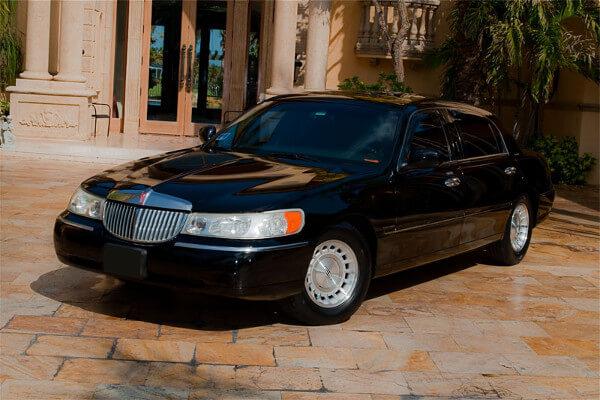 Lincoln Sedan Grand Rapids Rental